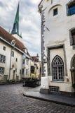 Calle vieja de Tallinn Estonia Fotografía de archivo libre de regalías
