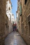 Calle vieja en fractura Croacia Foto de archivo