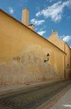 Calle vieja en Praga Imagen de archivo libre de regalías