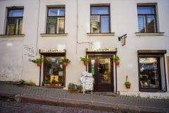 Calle vieja en Vyborg, Rusia fotos de archivo