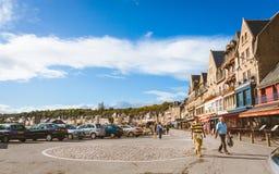 Calle vieja a lo largo de la playa en Cancale Imagen de archivo libre de regalías