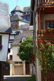 Calle y castillo de la ciudad histórica antigua Díez, Alemania fotografía de archivo
