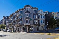 Calle y edificios típicos, San Francisco, California Fotos de archivo libres de regalías