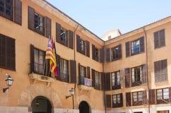 Calle y edificios viejos en el centro de ciudad histórico de Palma Mallorca, España 30 06 2017 Fotos de archivo libres de regalías