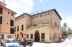 Calle y edificios viejos en el centro de ciudad histórico de Palma Mallorca, España 30 06 2017 Fotos de archivo