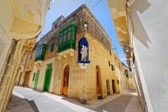 Callejón característico de Ir-Rabat, Gozo, Malta Foto de archivo libre de regalías