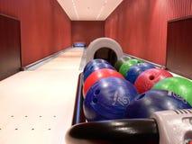 Callejón de bowling de dos carriles Fotografía de archivo libre de regalías