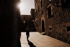 Callejón en Barcelona Fotos de archivo libres de regalías
