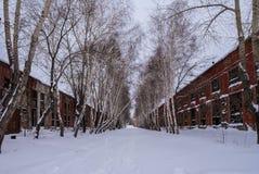Callejón en la fábrica abandonada Fotografía de archivo