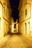 Callejón en la noche Fotos de archivo libres de regalías