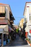Callejón griego - isla de Aegina, Grecia Fotos de archivo