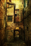 Callejón medieval en Italia con textura del grunge Fotos de archivo libres de regalías