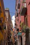 Callejón de la calle en Nápoles Fotos de archivo libres de regalías