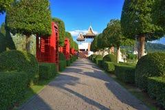 Callejón en el jardín de Nong Nooch Fotos de archivo libres de regalías
