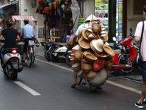 Calles cuarto del ` s de Hanoi del viejo Imágenes de archivo libres de regalías