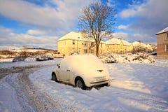 Calles de Airdrie cubiertas con nieve Imagen de archivo libre de regalías