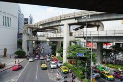 Calles de Bangkok La vista de las líneas de Skytrain Foto de archivo