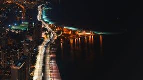 Calles de Chicago a lo largo del lago Michigan desde arriba imagenes de archivo