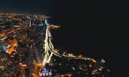 Calles de Chicago a lo largo del lago Michigan desde arriba fotos de archivo libres de regalías