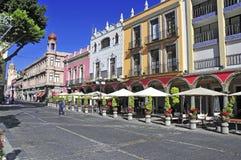 Calles de la ciudad de Puebla, México Imagenes de archivo