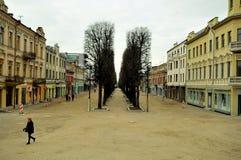 Calles de la ciudad vieja de Kaunas, Lituania Fotos de archivo libres de regalías