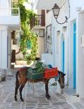 Calles de la isla de Paros Imagen de archivo libre de regalías