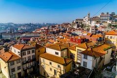 Calles de las opiniones de Oporto imágenes de archivo libres de regalías