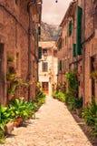 Calles de los beautifuls de Valldemossa fotos de archivo libres de regalías