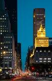 Calles de New York City en la noche Foto de archivo