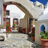 Patios de Santorini Imagen de archivo libre de regalías
