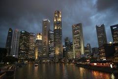 Calles de Singapur en la noche Imagen de archivo