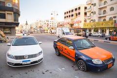 Calles del centro de ciudad en Hurghada, Egipto Imágenes de archivo libres de regalías