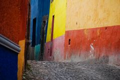 Calles del guijarro, San Miguel de Allende, México Foto de archivo
