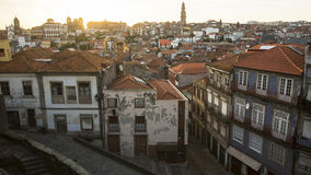 Calles en la ciudad vieja de Oporto, Portugal Viajes Imágenes de archivo libres de regalías