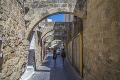 Calles estrechas de la pizarra en la ciudad vieja Fotos de archivo