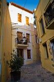 Calles estrechas en la ciudad y el puerto viejos Rethymno, Creta Imagen de archivo libre de regalías