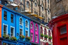 Calles muy transitadas de Edimburgo, Escocia, Reino Unido fotografía de archivo