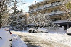 Calles nevadas de la mañana hermosa del invierno de Atenas, Grecia, 8va de enero de 2019 fotografía de archivo libre de regalías