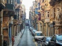 Calles tranquilas de la capital de Malta - La Valeta Calle del ` s de San Pablo Fotos de archivo