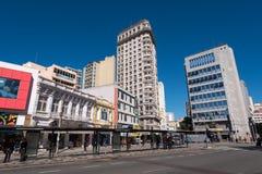 Calles y edificios de la ciudad de Curitiba Imagen de archivo