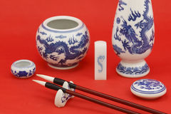 Calligrafia cinese e pittura con la cancelleria Fotografia Stock