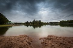 Calma antes de la tormenta en Finlandia imagenes de archivo