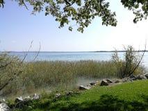 Calma del agua fotografía de archivo libre de regalías