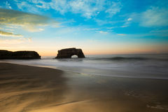 Calma di mattina di Santa Cruz Coast At Sunrise Immagini Stock Libere da Diritti