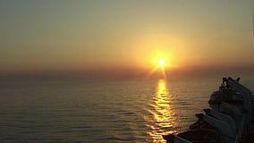 Calme dans le méditerranéen à l'aube banque de vidéos