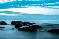 Calme de lac Vättern images libres de droits