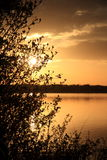 Calmez le lac au crépuscule Photos stock