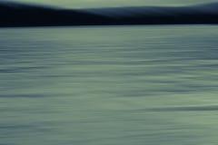 Calmi il lago al crepuscolo Fotografia Stock