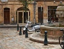 Calmness de domingo en Aix-en-Provence imagenes de archivo