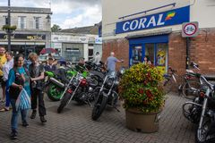 Calne cykeldag 2018 - en årlig dag var show Wiltshire UK för stadvärdsmotorcyle royaltyfri fotografi